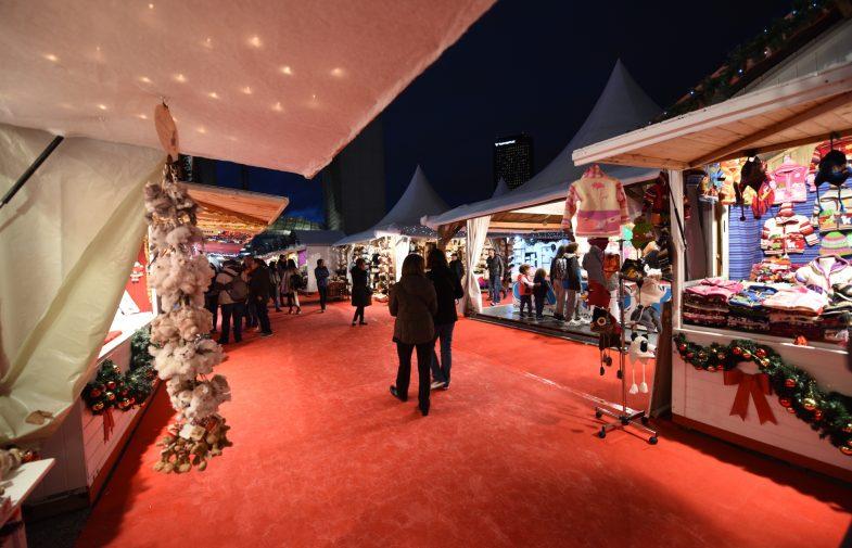 Le Marché de Noël investit le parvis de La Défense