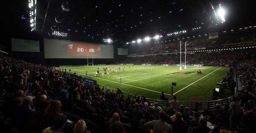 Le XV de France inaugure la U Arena en version rugby sous les sifflets