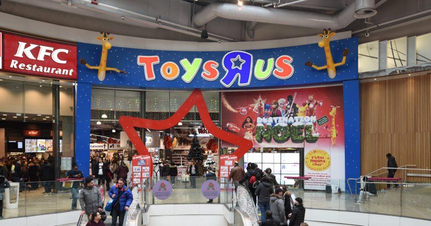 dans l antre du toys r us de la d fense l un des plus grand magasin de jouets d europe. Black Bedroom Furniture Sets. Home Design Ideas