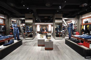 A|X Armani Exchange ouvre sa cinquième boutique française aux 4 Temps