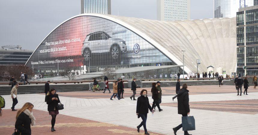 Le nouveau T-Roc de Volkswagen s'affiche en géant sur le Cnit