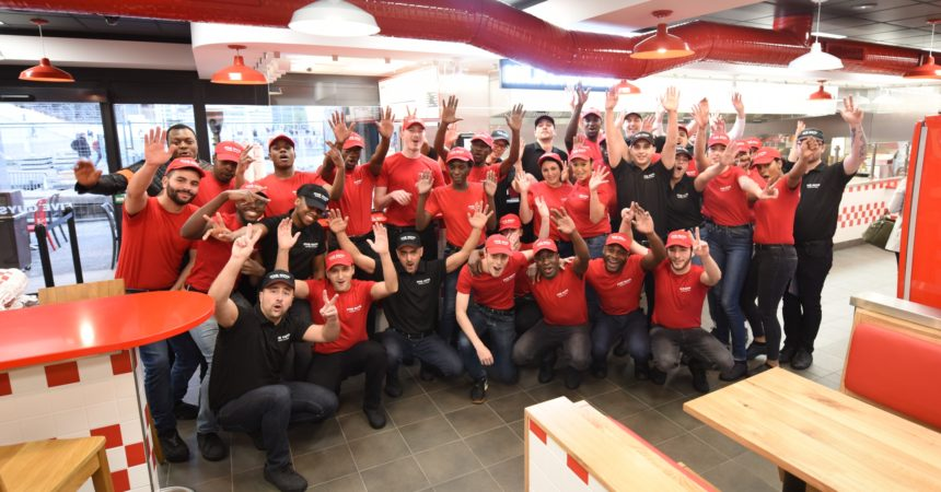 Les burgers de Five Guys enfin disponibles à La Défense