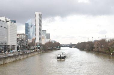 Le corps d'une femme morte retrouvé dans la Seine au pied des tours de La Défense