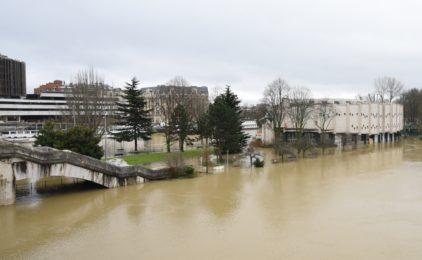 Crue de la Seine : l'ile de Puteaux et de Neuilly prend l'eau