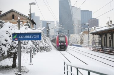 Chutes de neige : le trafic dans les transports en commun est toujours perturbé en ce début d'après-midi dans le secteur de La Défense