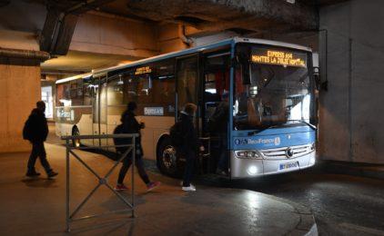 Dès juin prochain il y aura davantage de cars sur la ligne la ligne Express A14 entre La Défense et Mantes-La-Jolie