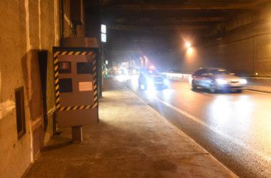 Avec presque 45 000 flashs en 2017, le radar du tunnel de La Défense fait toujours des victimes