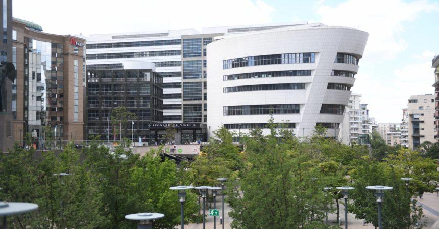 Le département des Hauts-de-Seine envisagerait de déplacer son siège dans le pôle universitaire Léonard de Vinci