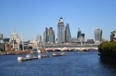 Brexit : Paris La Défense va aller courtiser les banques de Londres