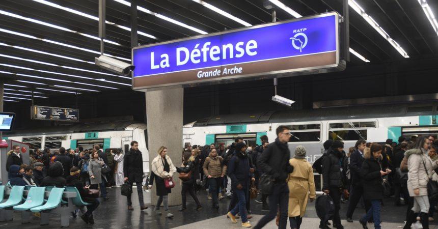 Un grand plan va être lancé pour désaturer les transports en commun à La Défense