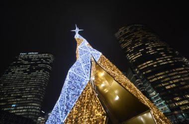 Pour Noël La Défense se pare de ses habits de lumières