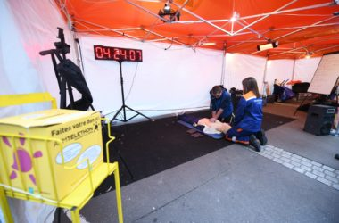 Vingt-quatre heures de massages cardiaque pour le Téléthon