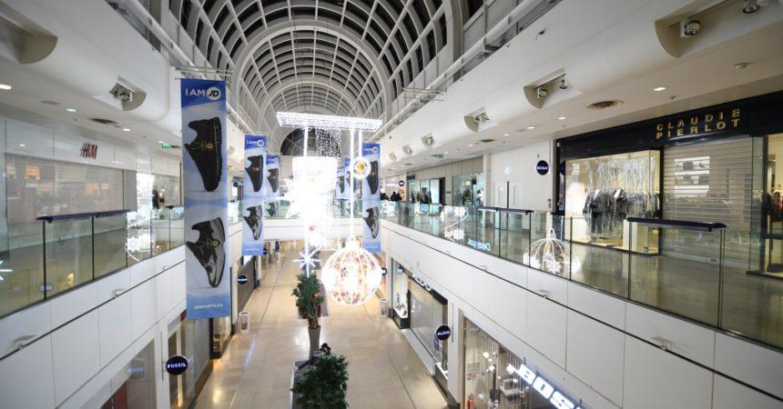 Les boutiques des 4 Temps et du Cnit seront fermées pour Noël et le jour de l'an
