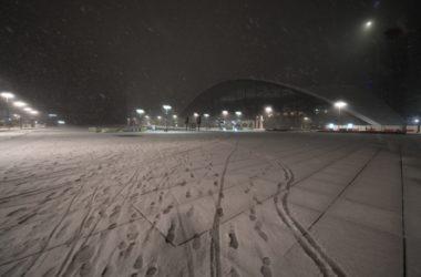 Leurs traces de pas dans la neige trahissent ces voleurs