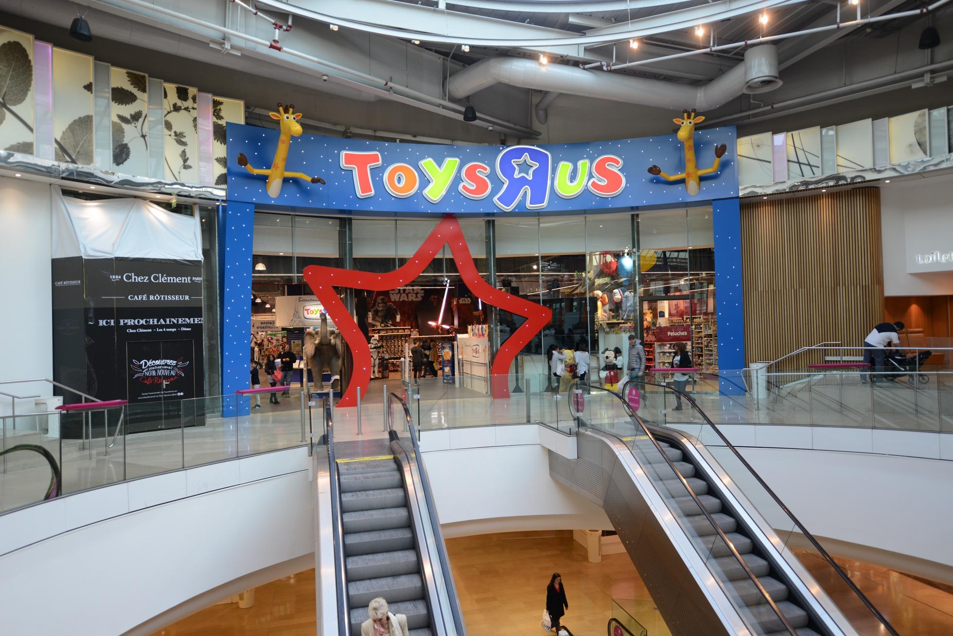 Le Toys \'R\' Us des 4 Temps s\'offre un lifting - Defense-92.fr