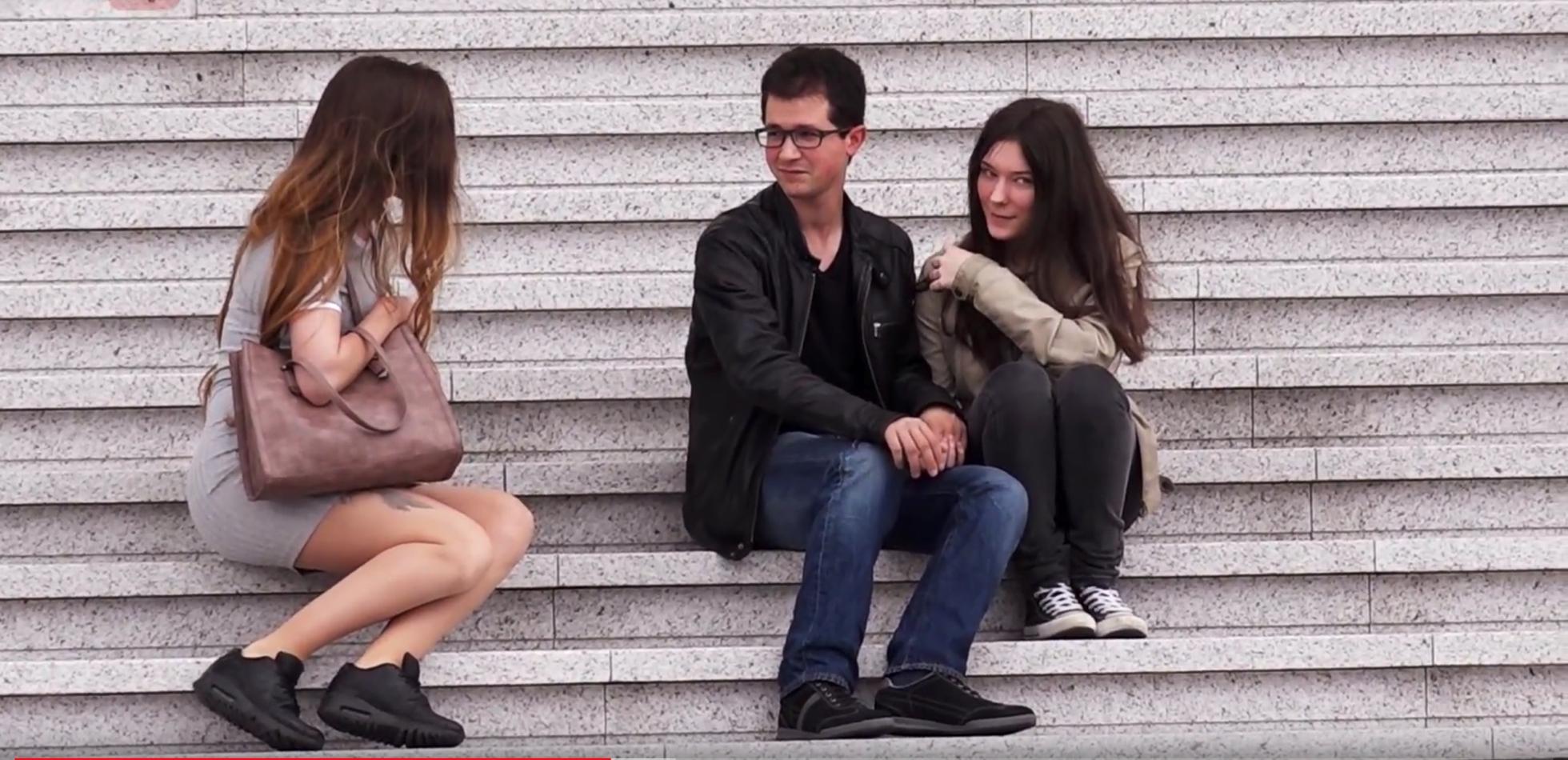 jouir sur caméra cachée lesbienne catfight se transforme en sexe