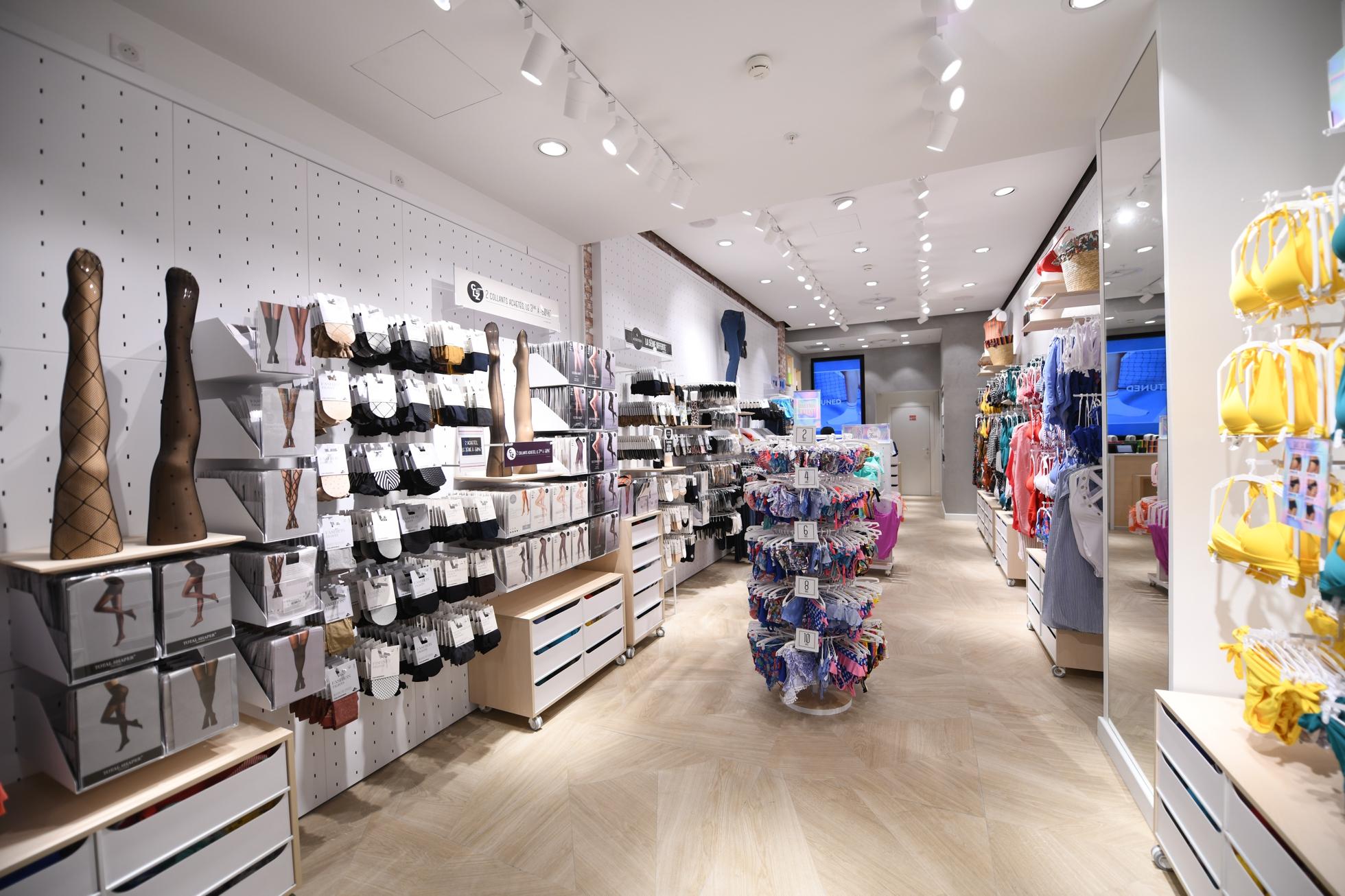 prix le plus bas prix le moins cher économies fantastiques Le spécialiste du Collant Calzedonia ouvre une boutique aux ...